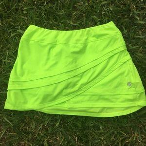 LADIES GREEN TENNIS SKORT SIZE SMALL